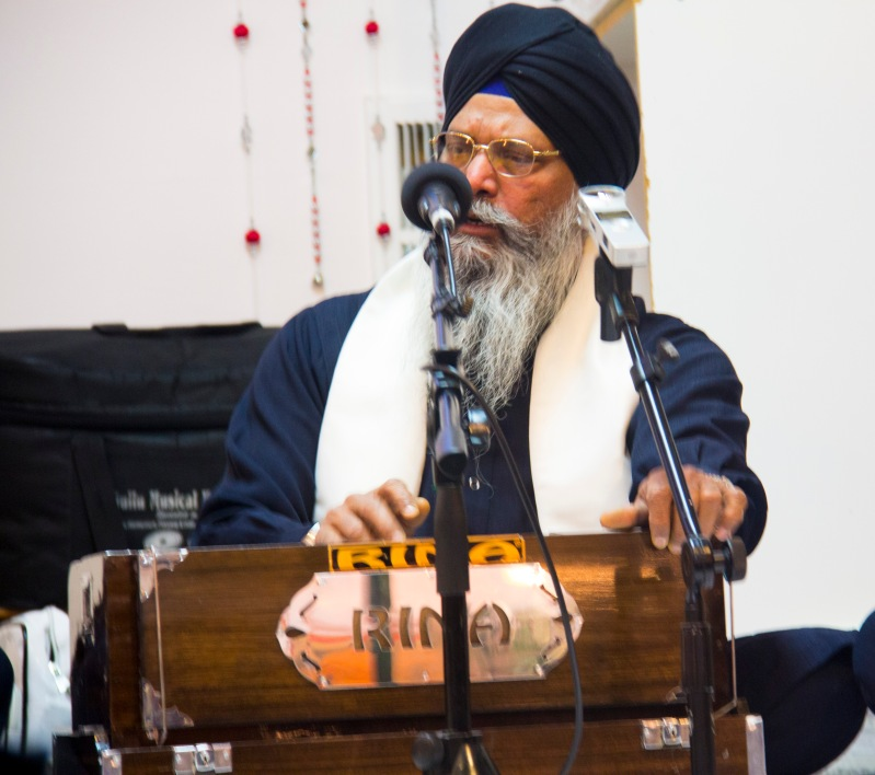 The other Sikh man harmonium