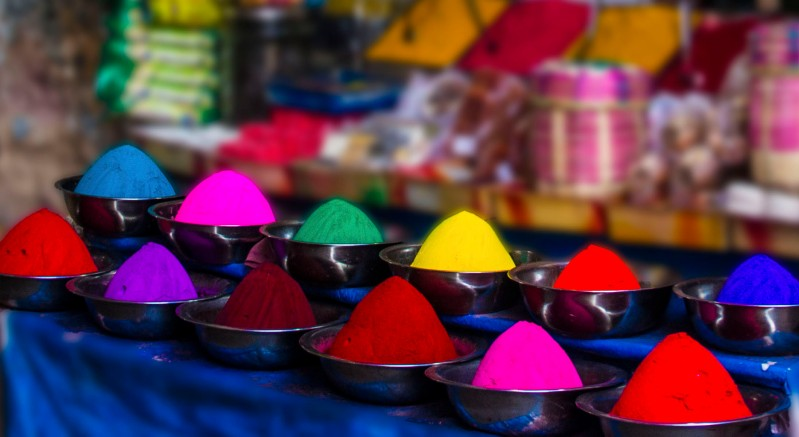 Color Powder in Containers