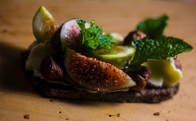 Figs brie and mint