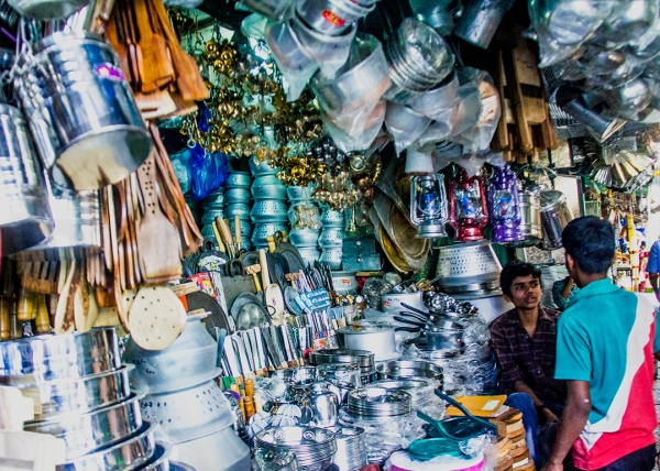 Mysore- Market pots and pans shop